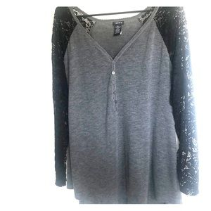 Torrid Gray and lace sleeve tee